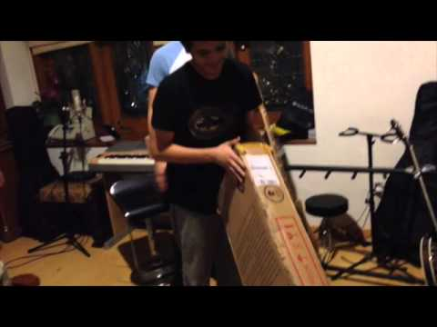 TheOvertunes - Fender Unboxing