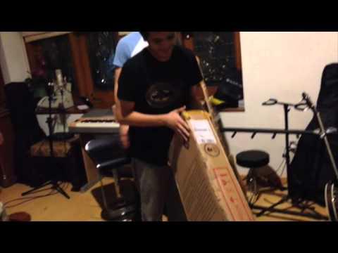 TheOvertunes - Fender Unboxing