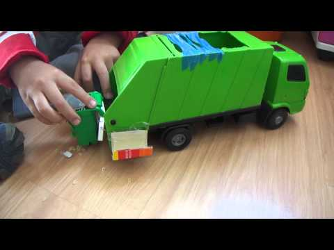 Caminhão de lixo M4H01778.MP4