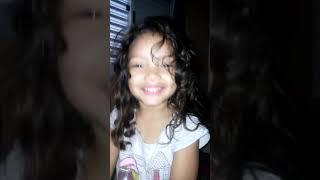 Minha filha cantando a música do Wesley Safadão você partiu meu coração