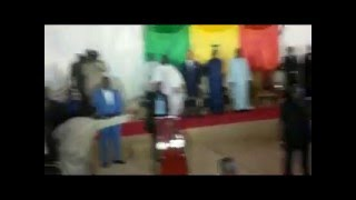 Omar Pene accompagne Macky Sall à l'UCAD
