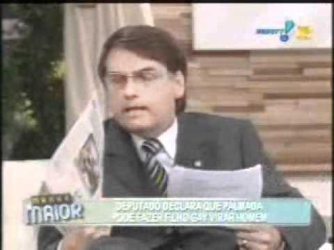 Bolsonaro defende a família.