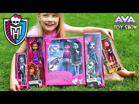 Compare Monster High with other gothic dolls review on Ava Toy Show ❤