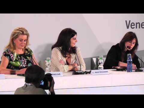 Deneuve Mastroianni Gainsbourg 3 COEURS conference de presse Venice Film Festival