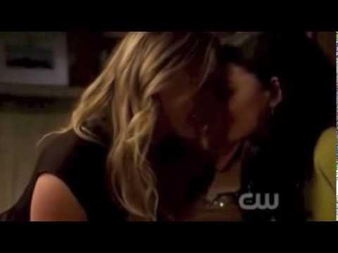 lesbian kiss scenes