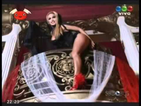 BENDITA TV 240 - MUÑECA BUS DE CLAUDIA FERNÁNDEZ