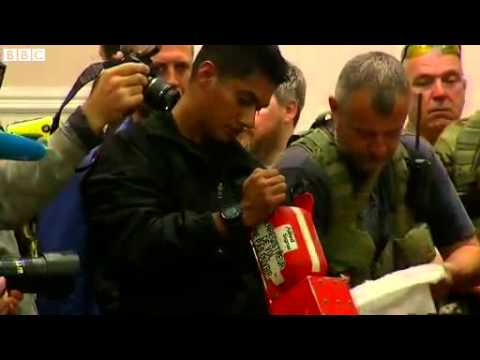 BBC News   MH17 plane crash  Ukraine rebels hand over black boxes