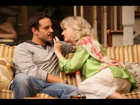 """Review of """"The Country House"""" starring Blythe Danner"""