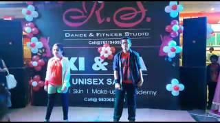 Salsa dance choreography on song Maria Maria