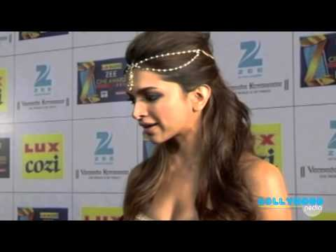 THE RED CARPET OF LUX COZI ZEE CINE AWARDS. Photo,Image,Pics