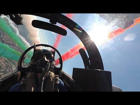 Aeronautica Militare - Il sorvolo delle Frecce Tricolori su Roma a 360°