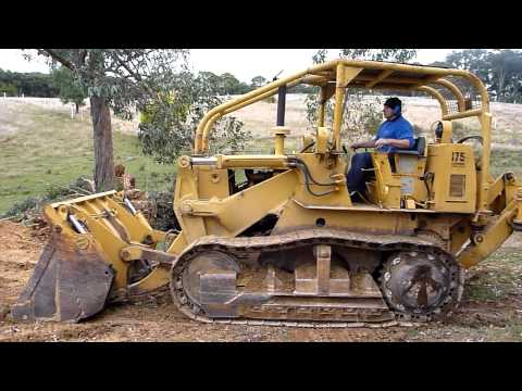 International Harvester 175B Track Loader