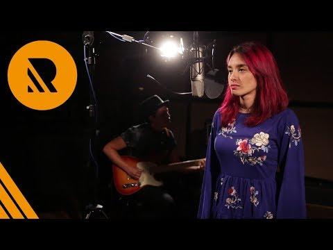 Vivian Green: Emotional Rollercoaster - Natalia Marrokin