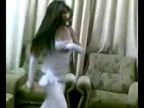Cute arab girl sexcy dance for mobile recding.flv