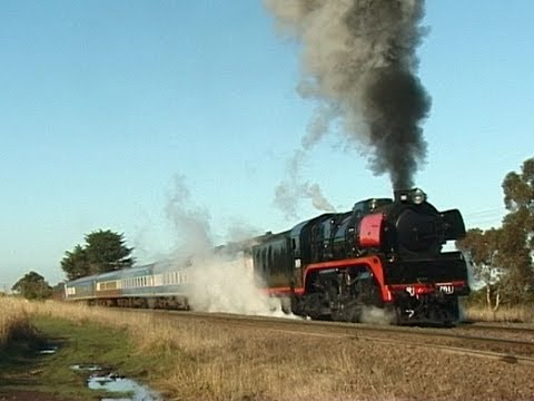 On 29 April 2001, R761 was hired from Steamrail to operate the monthy West Coast Railway and South Western Railway Society day trip to Echuca following the f...