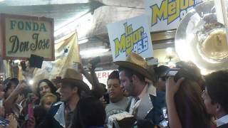Calibre 50 Video - Calibre 50 cantando en el mercado San Juan de Dios de Guadalajara
