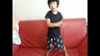 【SHINee Hello Baby Yoogeun】Yoogeun is addicted to Lucifer :D