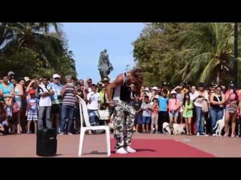Presentación de las mascotas durante el primer Carnaval Canino y concurso de mascotas.