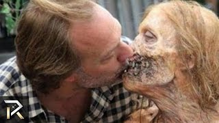 10 People Who Had Relationships with Zombies
