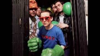 Hot Chip - Keep Fallin'