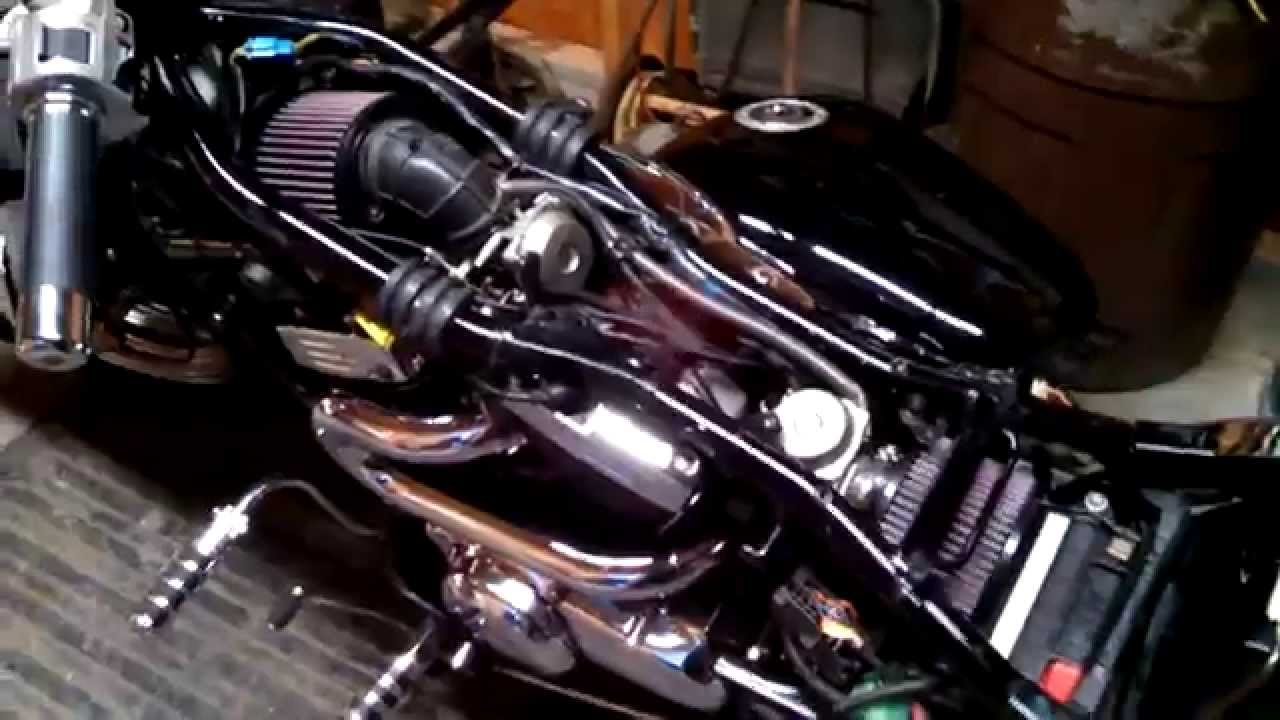 Suzuki Intruder  Carburetor