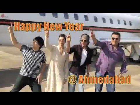 Team HNY at Ahmedabad! | Deepika Padukone, Shah Rukh Khan, Boman Irani, Vivaan Shah