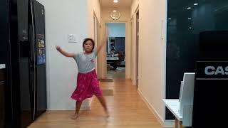 Bé Mini Trúc Phương múa IT'S BEAUTIFUL LIFE - Sunday 18.08.2018