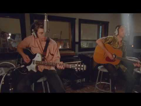 The Last Shadow Puppets - Miracle Aligner [Acoustic version] (Live at Vox Studios)