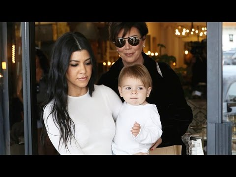 Kourtney Kardashian And Kris Jenner Shop With The Kids For Their Show