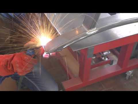 Стол из мебельного щита и металла Wood Metal Table DIY