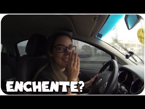 Dirigindo Na Enchente! - As Aventuras De Malena video