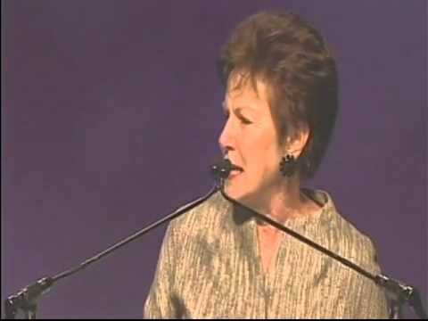 Friends of Mel founder accepts Exceptional Women Award