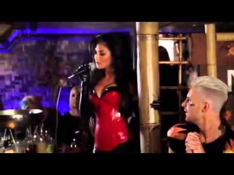 Nicole Scherzinger Sin... Nicole Scherzinger Sings