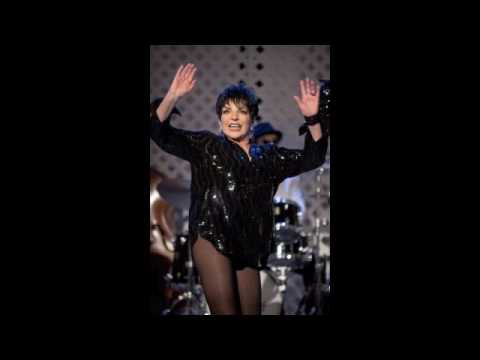 Liza Minnelli sings Single Ladies on the Soundtrack of Sex and the City 2.