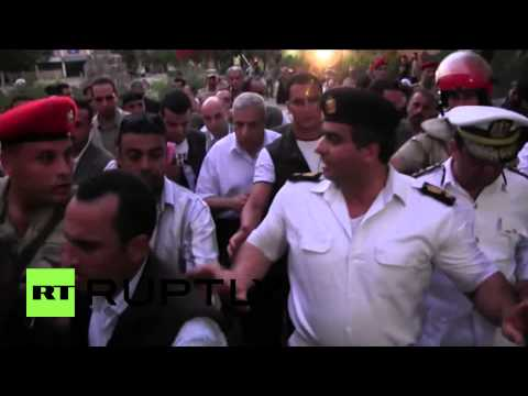 Egypt: Interim PM Mahlab visits the polls as voting extended