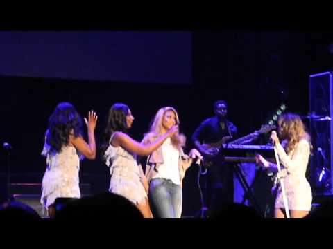 Toni Braxton - Family Moment/ I Love Me Some Him (live in Brooklyn)
