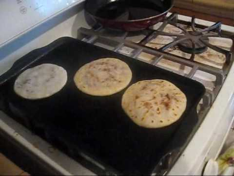 How to make PUPUSAS! Yes... I said PUPUSAS.