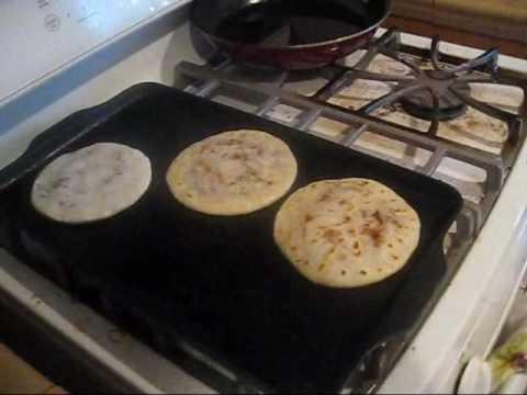 How to make PUPUSAS! Yes... I said PUPUSAS.