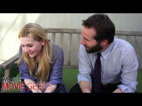 Abigail Breslin & Alessandro Nivola Talk JANIE JONES