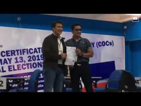 Actor and former senator Lito Lapid files his CoC for senator