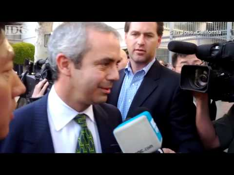 Raw video: Samsung lawyer leaves court after loss to Apple