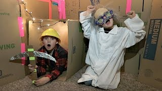 LOST IN A BOX FORT MAZE!