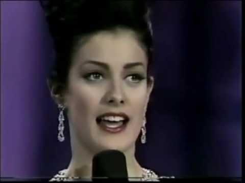Dayanara Torres ( Puerto Rico ), Miss Universe 1993 - Personal Interview & Close Up