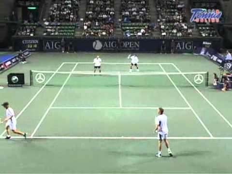 �編�http://www.tennisonline.jp/cnt.jsp?no=0288&mj=mlyt AIG JAPAN OPEN TENNIS CHAMPIONSHIPS 2006 ������ ��� 岩�� ��貴� VS ���������� Stephen HUSS.