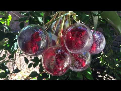 How to Make Christmas Baubles with Alcohol Ink