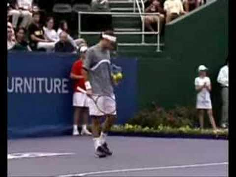 Roger Federer v Andre Agassi: 2003 TMC Final Part 1