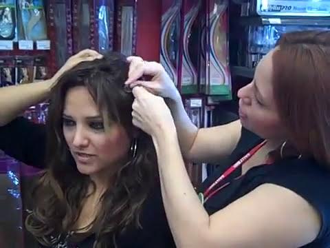 YouTube - GabyTips.. Como ponerte las extensiones del cabello con clip.mp4