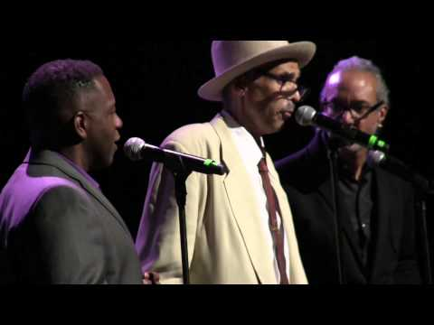 The Great BABI FLOYD & Friends in an Emotional Moment @ The Apollo Theater 