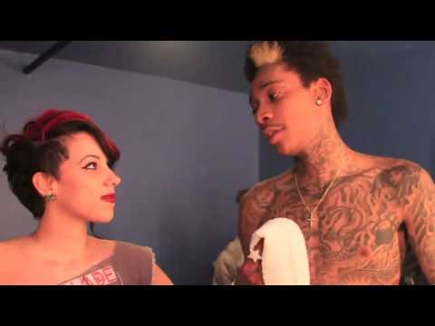 Wiz Khalifa Interview (Are You Retarded!!!!!!!!)MUST WATCH