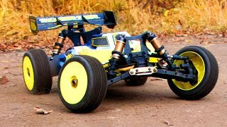 RC Car Action, Jumping, Racing — Thunder Tiger BUSHMASTER 8E 4WD BUGGY — Extreme Pictures